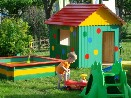 Tesařské práce zhotovení pískoviště a domečku pro děti