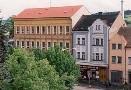 Škola, náměstí