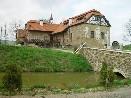 Vodní tvrz ve Vlkošově z období středověku