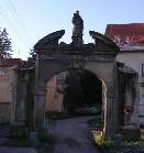 Brána u zámku