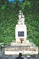 Pomník padlým z Jeníkovic v obou světových válkách