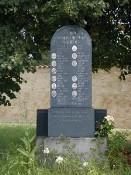 Pomník v Prašném Újezdě