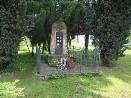 Pomník v Nepoměřicích