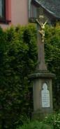 Kříž u kapličky