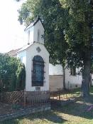 Kaplička z r. 1899 postavena nákladem občanů mrzeckých